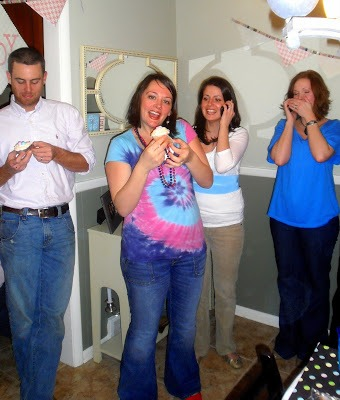 DIY baby gender reveal party open cupcake