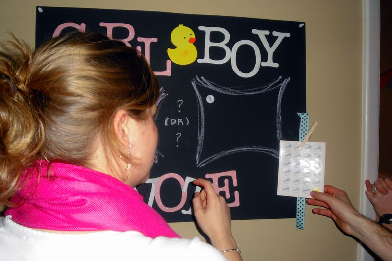 DIY baby gender reveal party voting game