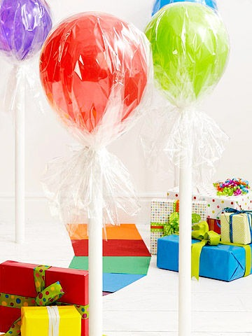 candy-land-kids-party-ideas-balloons-cellophane-lollipops