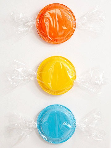 candy-land-kids-party-ideas-plates-cellophane-candy