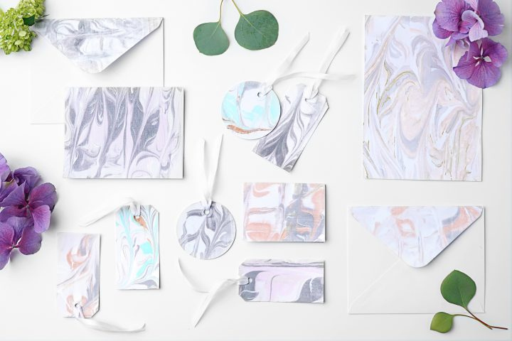 Wow your guests with marbled place cards