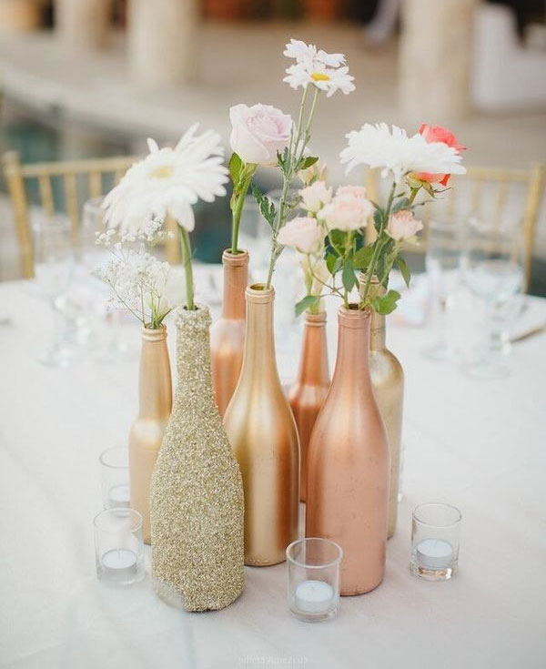 Fancy & Chic Party Decor Ideas - make these great gold and pink centerpieces! #tablescapes #partyinspo #weddingdecor