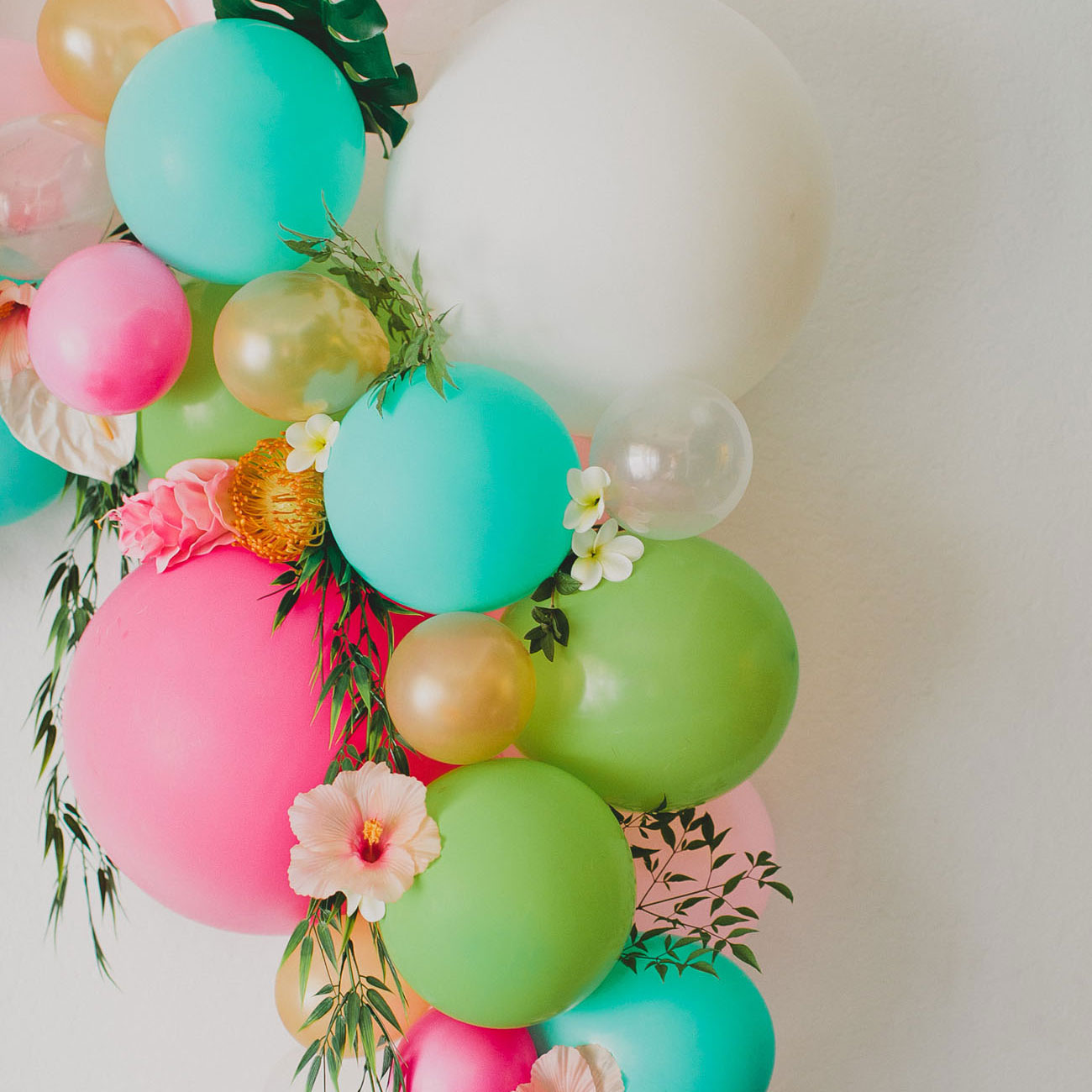 Darling Floral Balloon Arch DIY - Learn to make it here!