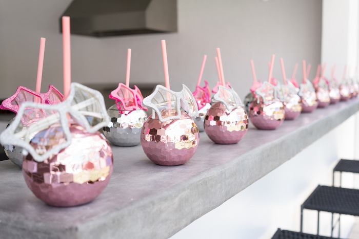 I want to go to this rock star themed party! Cute idea for drink cups!